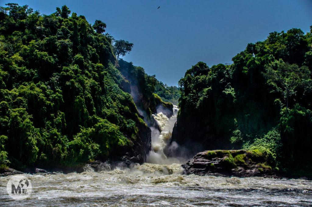 L'aigua en el seu pas per les Murchinson Falls